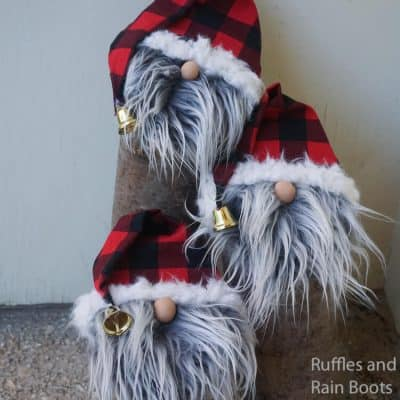 Easy Farmhouse Gnome Porch Decorations from Logs