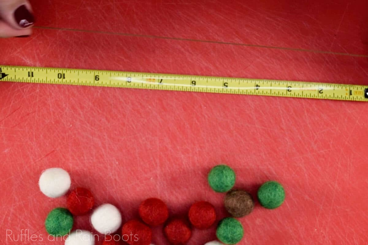 measure 4 feet of thread for garland