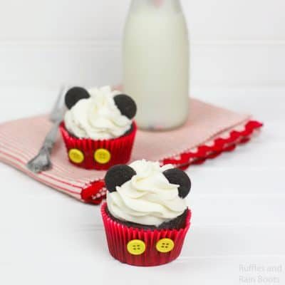 This Easy Mickey Cupcake Decorating Idea is So Fun!
