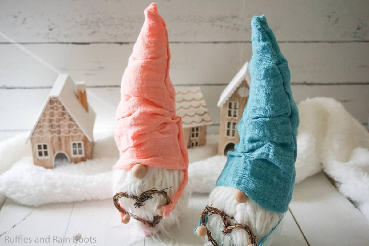 how to make a no-sew gnome