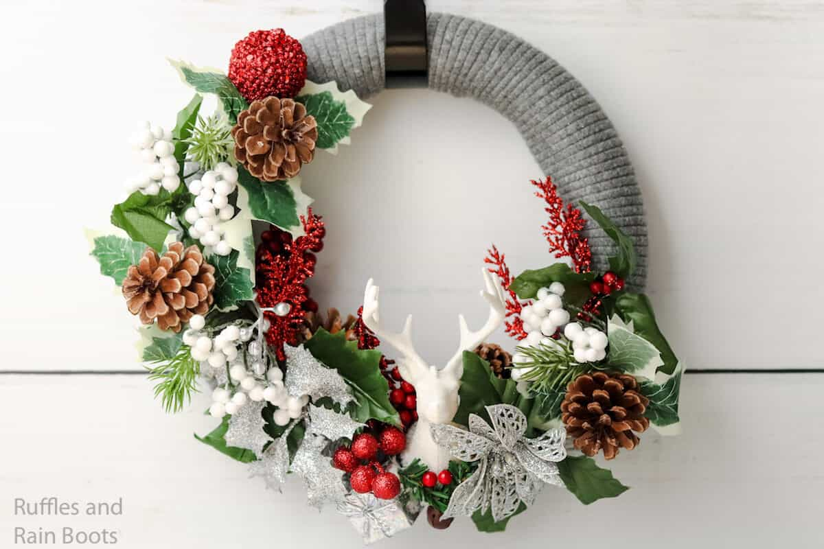 how to make an upcycled sweater wreath for christmas