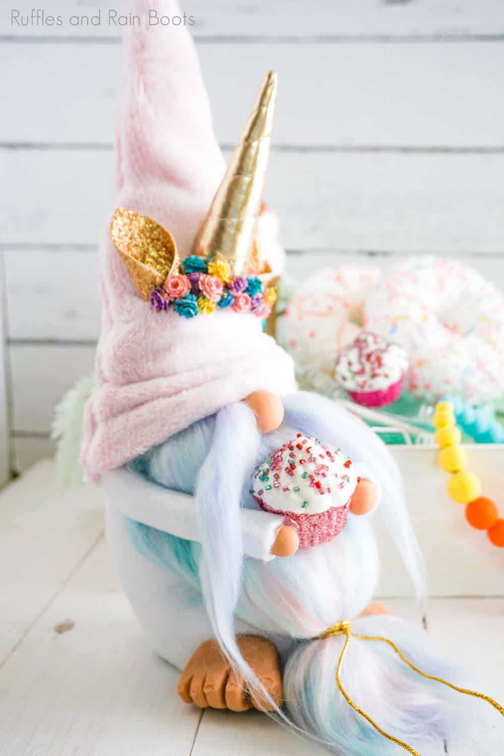 easy pattern for a no-sew gnome unicorn