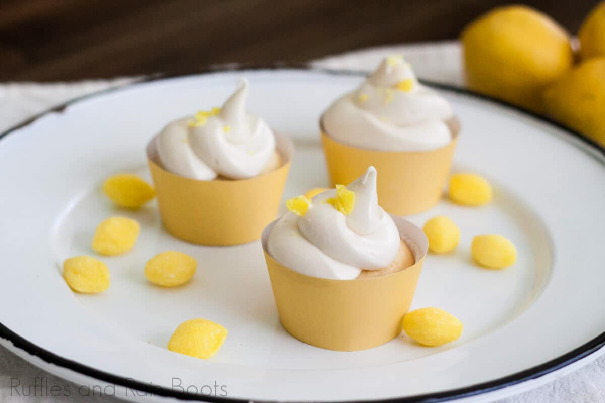 make easy lemonade cupcakes for a summer pool party