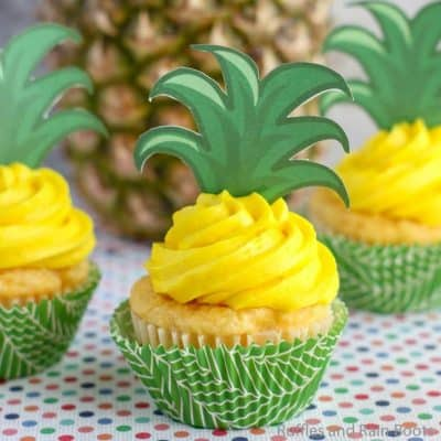 These Pineapple Cupcakes are So Full of Sunshine and Fun!