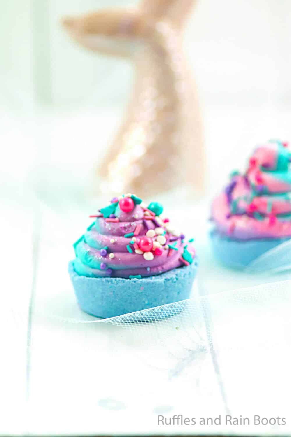 how to make a bath bomb with whipped topping like a cupcake
