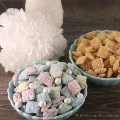Easy Mermaid Muddy Buddies Make Perfect Mermaid Party Treats!