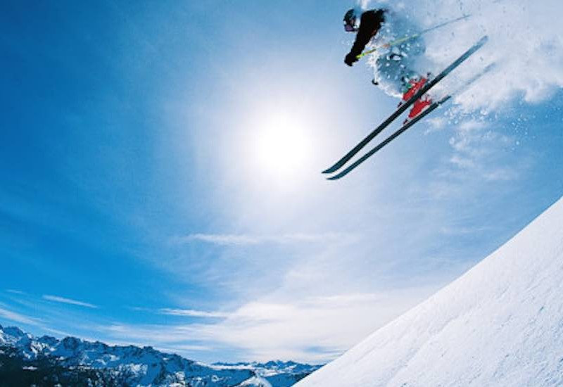 Skiing Gulmarg_Rustik Travel