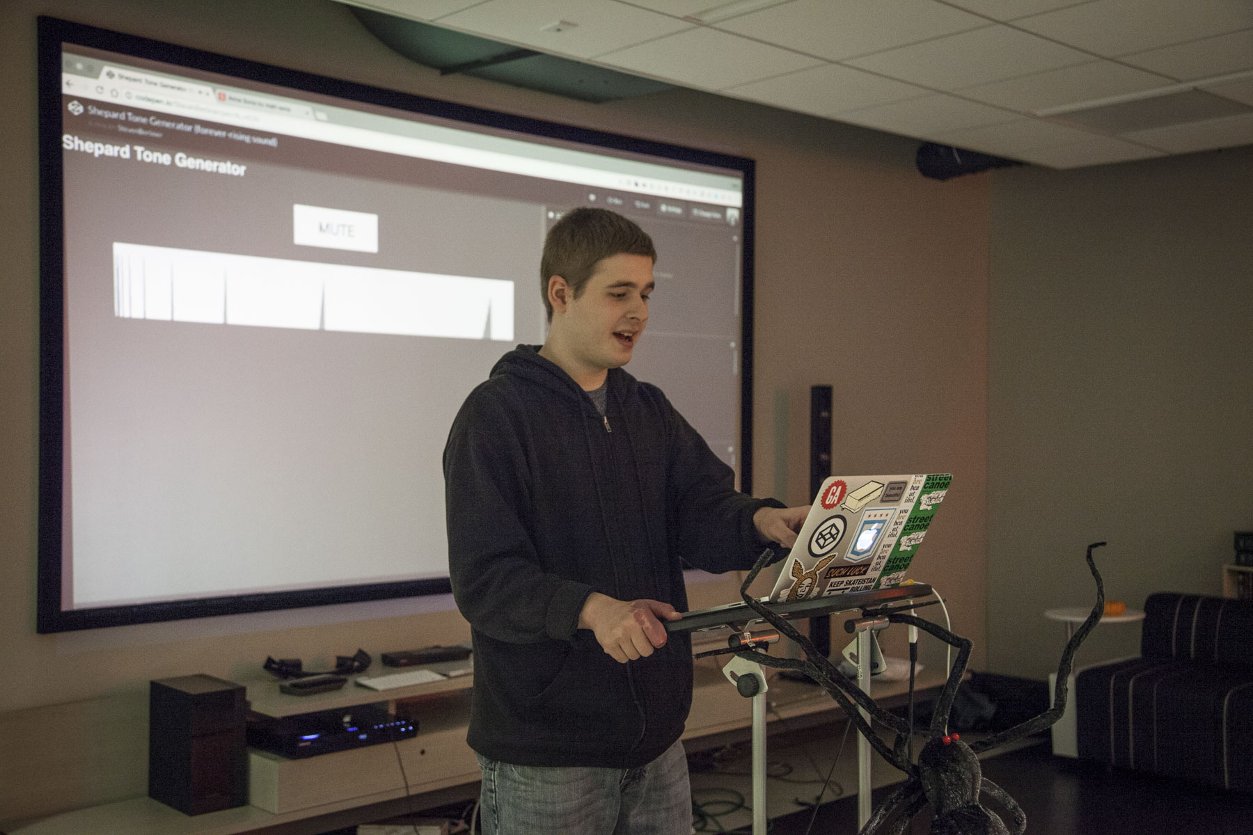 Steven Berliner presenting at CodePen Chicago