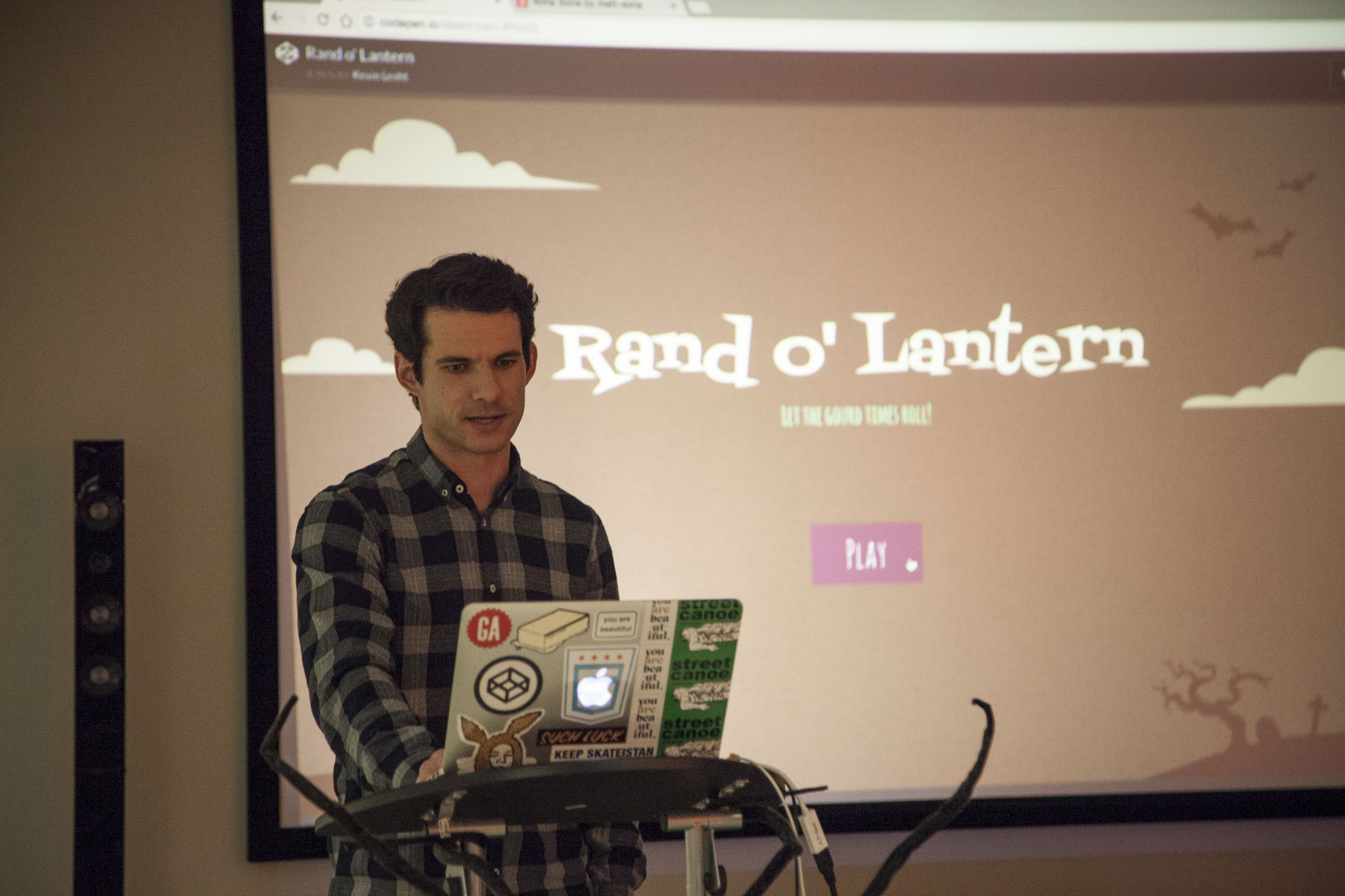 Kevin Lesht presenting at CodePen Chicago
