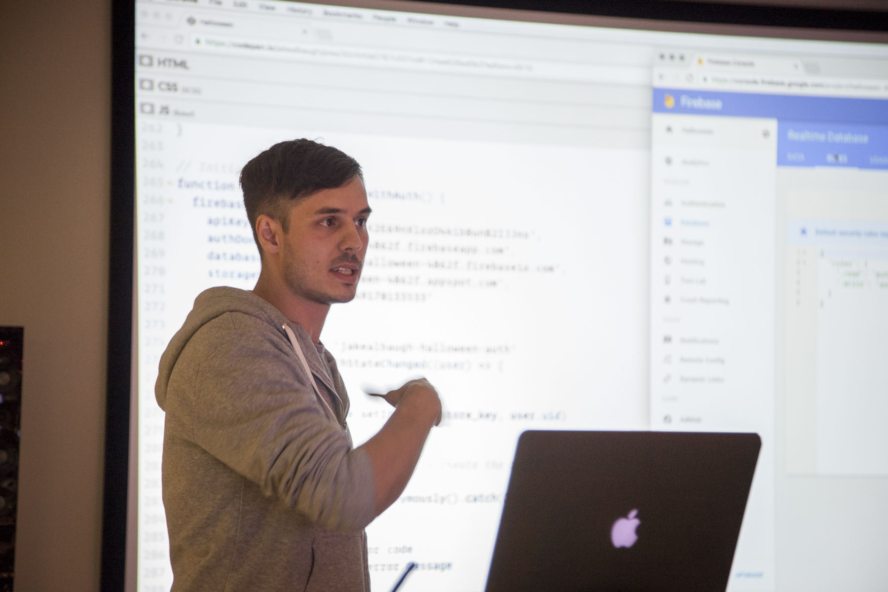 Jake Albaugh presenting at CodePen Chicago