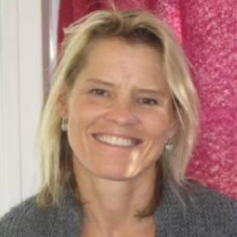 Paula Tebay