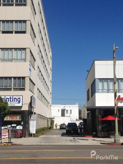 6363 Wilshire Boulevard Parking Parking In Los Angeles