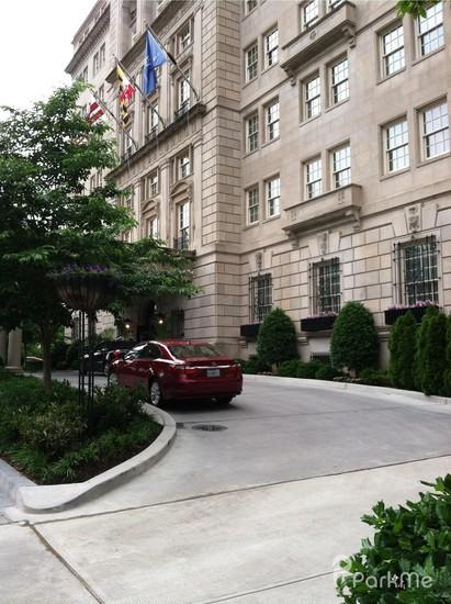 hay adams hotel valet parking lot 647 parking in. Black Bedroom Furniture Sets. Home Design Ideas