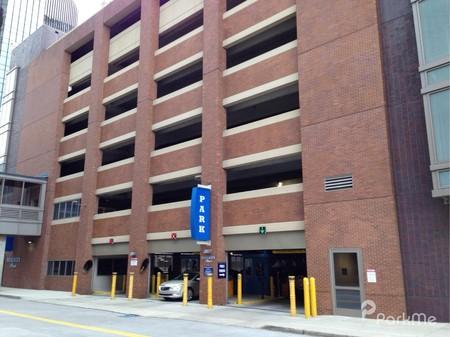Beaubien Place Garage Parking In Detroit Parkme