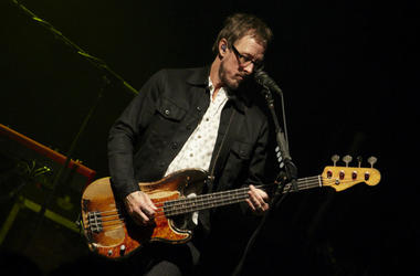 Scott Shriner of Weezer