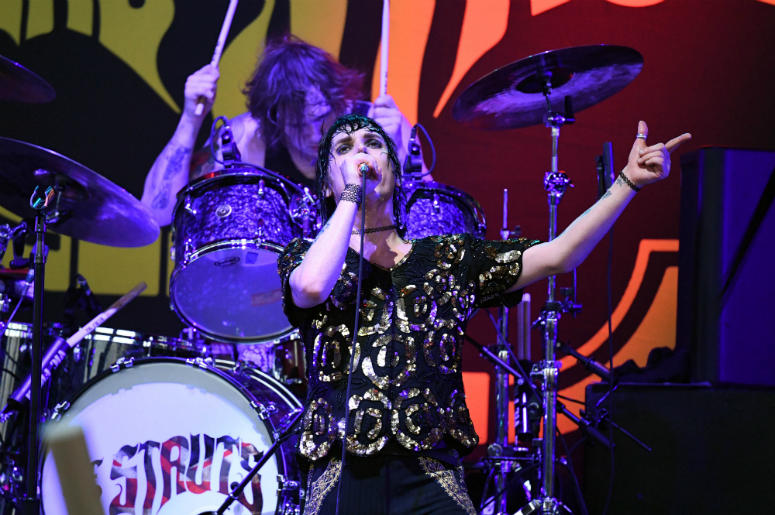 Luke Spiller of The Struts performs at Coral Sky Amphitheater