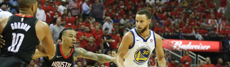 Curry not worried about knee: 'I feel great'