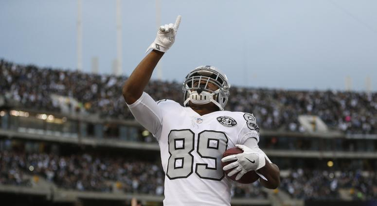 Cowboys acquire WR Cooper from Raiders for first-rounder