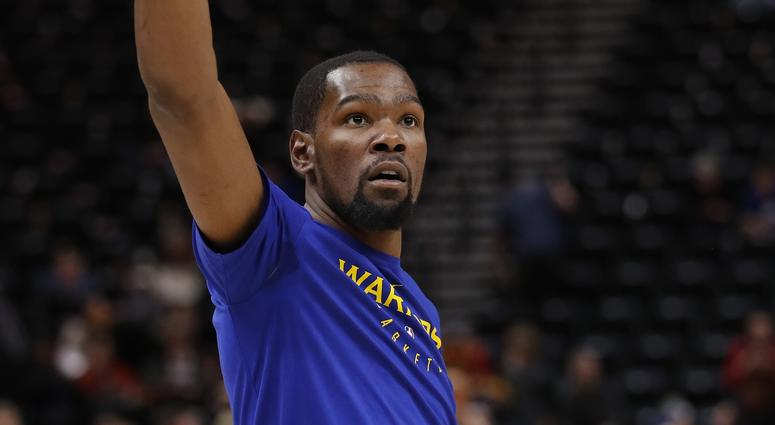 Durant Scores 29 Points, Warriors Hold Off Mavs, 120-116