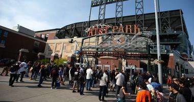 'This is a distinct possibility' — Raiders, SF Giants in talks to share AT&T Park next year.