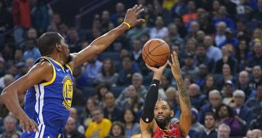 Kevin Durant leads the Warriors to a win over the Hawks, despite Draymond drama