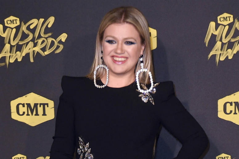 June 6, 2018; Nashville, TN, USA; Kelly Clarkson on the red carpet prior to the CMT Music Awards at Bridgestone Arena.