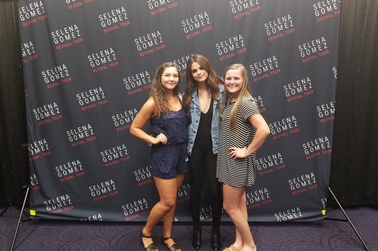 Selena gomez meet greet end online 1065 the end selena gomez meet greet m4hsunfo