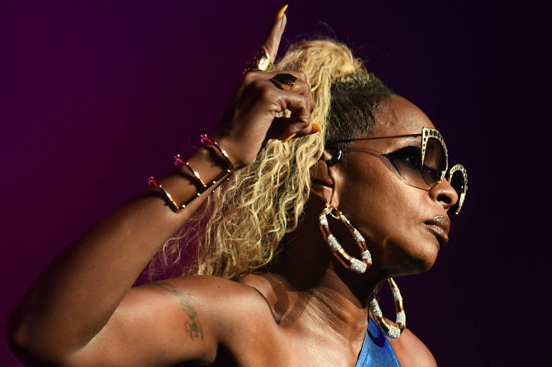 Mary J. Blige performs at the Fillmore.