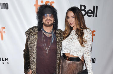 Nikki Sixx, Courtney Sixx