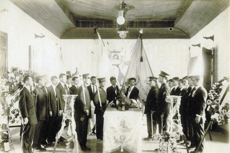 Funeral del poeta Rubén Darío en la ciudad de León, Nicaragua. LA PRENSA/ CORTESÍA FUNDACIÓN ENRIQUE BOLAÑOS/ PROHIBIDA SU REPRODUCCIÓN