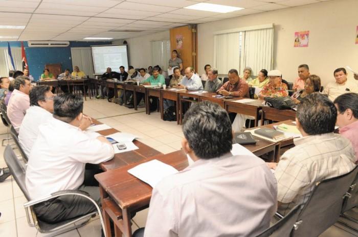 El dirigente de la Confederación de Unificación Sindical (CUS), José Espinoza Navas, considera viable el establecimiento de escalas salariales en cada sector. LAPRENSA/ARCHIVO