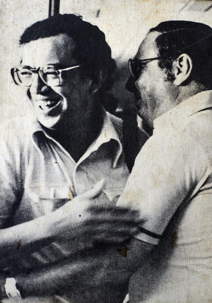 La última fotografía tomada a Pedro Joaquín Chamorro (derecha), fue junto a Edmundo Jarquín, el 8 de enero de 1978, dos días antes de su muerte. LA PRENSA/ Cortesía familia Chamorro