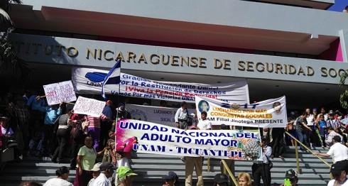 adultos mayores, Unión Nacional del Adulto Mayor, INSS