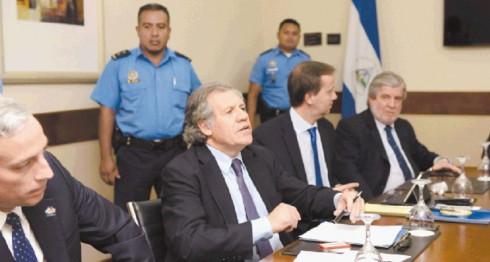 """La Secretaría General de la OEA, encabezada por Luis Almagro, expresó al Gobierno de Nicaragua """"preocupaciones referidas al proceso electoral entonces en curso (2016), a las normas de procedimientos regulatorios, a la situación de representantes electos en 2011 que perdieron su condición de diputados en julio de 2016, a la participación de los partidos políticos, a la necesidad de contar con padrones confiables y asegurar la debida cedulación de los votantes"""", indica el punto 2 del informe consensuado. LAPRENSA/ARCHIVO"""