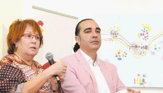 Rosa Villastin y Manuel Francisco Reina son los autores del libro La princesa Paca, su historia ahora será llevada al cine por Joaquín Llamas.LAPRENSA/R.Fonseca