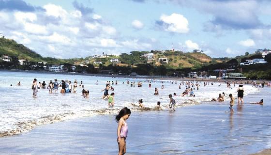 Los datos del Instituto Nicaragüense de Turismo (Intur) reflejan que en 2015 el país recibió a 1.38 millones de turistas, y según Lucy Valenti, presidenta de Canatur, con la inversión de esa carretera costanera esos datos pueden verse incrementados. LAPRENSA/ARCHIVO