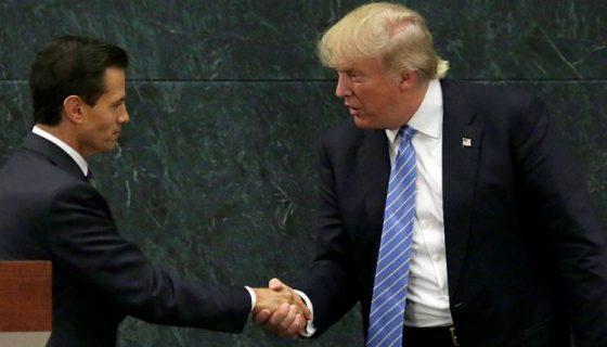 El presidente, Donald Trump y su homólogo, Enrique Peña Nieto. Ambos se reunieron cuando Trump era candidato a la presidencia de Estados Unidos. LA PRENSA/Archivo
