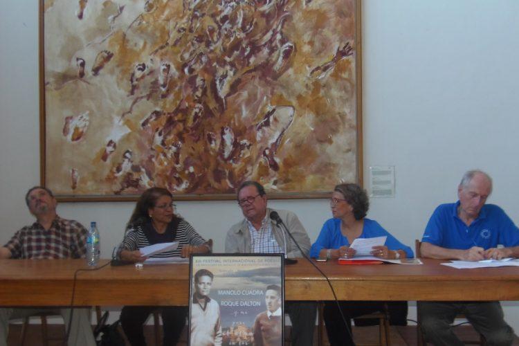 Gloria Gabuardi, Francisco de Asís Fernández y Luz Marina Acosta, organizadores del Festival Internacional de Poesía de Granada. LA PRENSA/LUCÍA VARGAS.