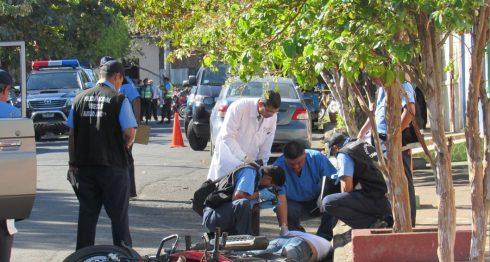 Óscar Miguel Torres Largaespada, de 30 años, murió al recibir dos disparos en la espalda por dos sujetos que se movilizaban en una moto en una calle del barrio Cuba de Managua. LAPRENSA/W. Narváez