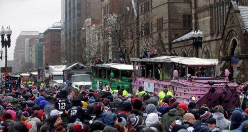 Los Patriots de Nueva Inglaterra celebraron su quinto triunfo en la era de Tom Brady y el entrenador Bill Belichick. LA PRENSA/AP/Steven Senne