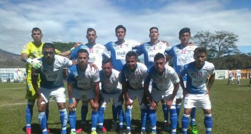 Eulises Pavón (11) registra 415 minutos jugados en cinco partidos. LAPRENSA/ CORTESÍA/ SUCHITEPÉQUEZ