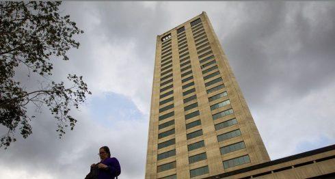 La Torre Humbolt, donde se encuentran ubicadas las oficinas de la empresa brasileña Odebrecht, en Caracas. LA PRENSA/EFE