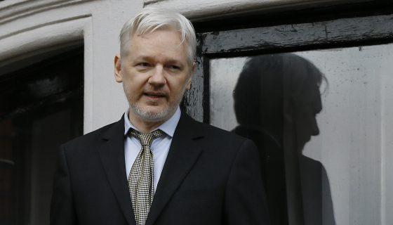 Julian Assange, Assange, CIA, filtraciones de la CIA. ataques cibernéticos