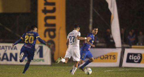 Juan Barrera en un partido de la temporada pasada. LAPRENSA/ CORTESÍA/ ARCHIVO