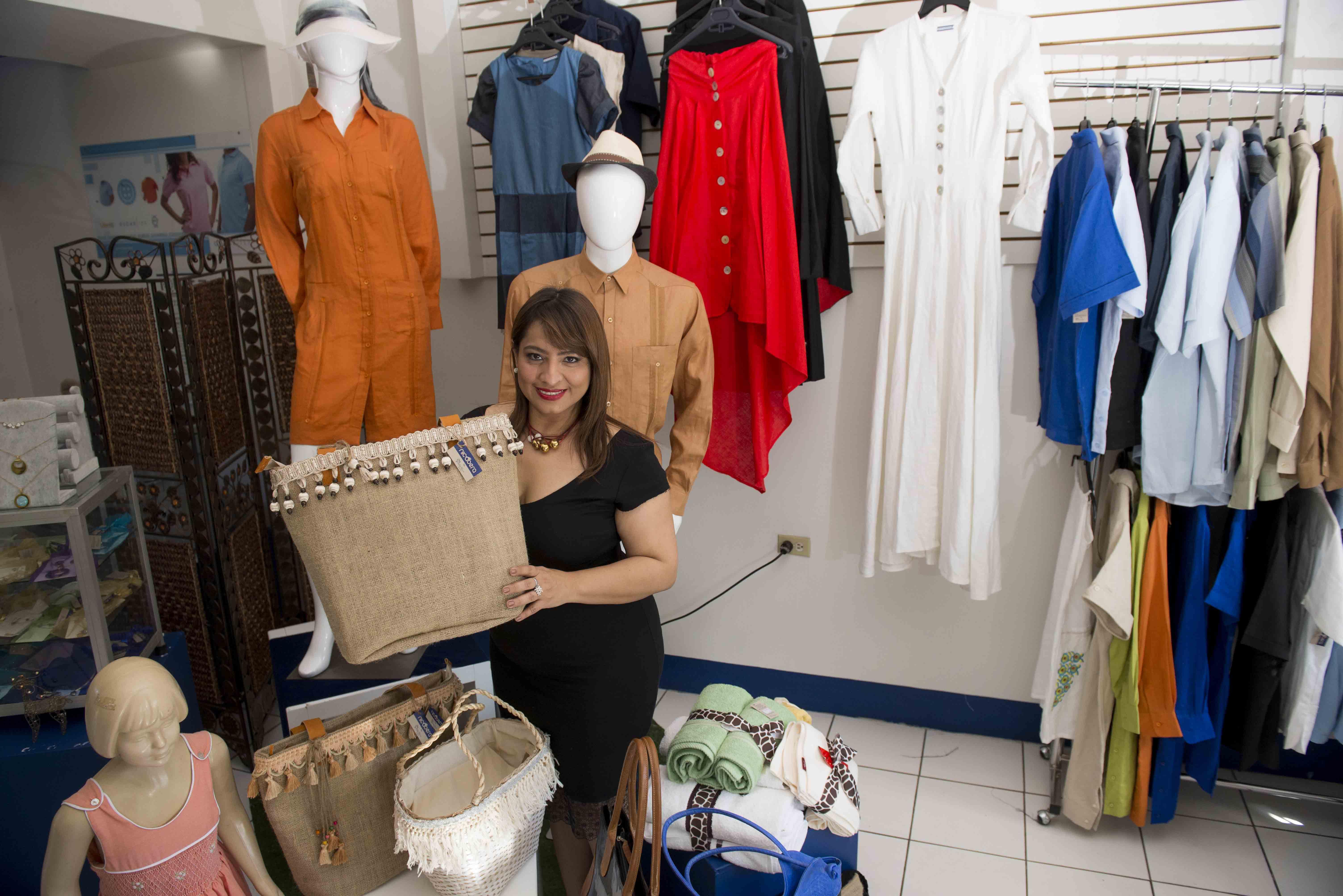 bb5cc6b2a2 El negocio de la ropa usada - La Prensa