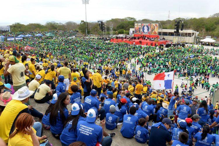 fieles, Nicaragua, encuentro religioso, Camino Neocatecumenal