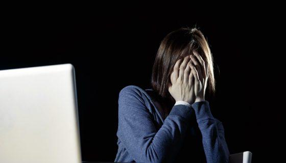 En los últimos meses el ciberacoso se ha vuelto más frecuente. Comienza con un video o fotografía subida a internet, después se crean los memes con la imagen de la víctima y se expande como un virus por la red .