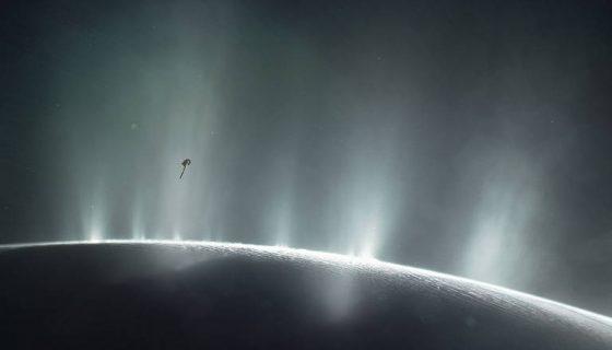 Saturno, Encélado