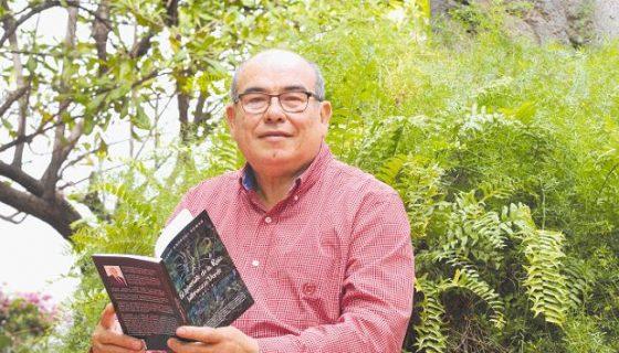 Silvio Ambrogi, autor del poemario Laberinto de la raíz e intermezzo verde. LAPRENSA/CARLOS VALLE