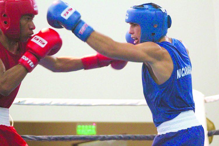 Rommel Caballero (azul) durante su participación en el Campeonato Continental Juvenil de Costa Rica en 2016. Foto: Cortesía/ Acobox